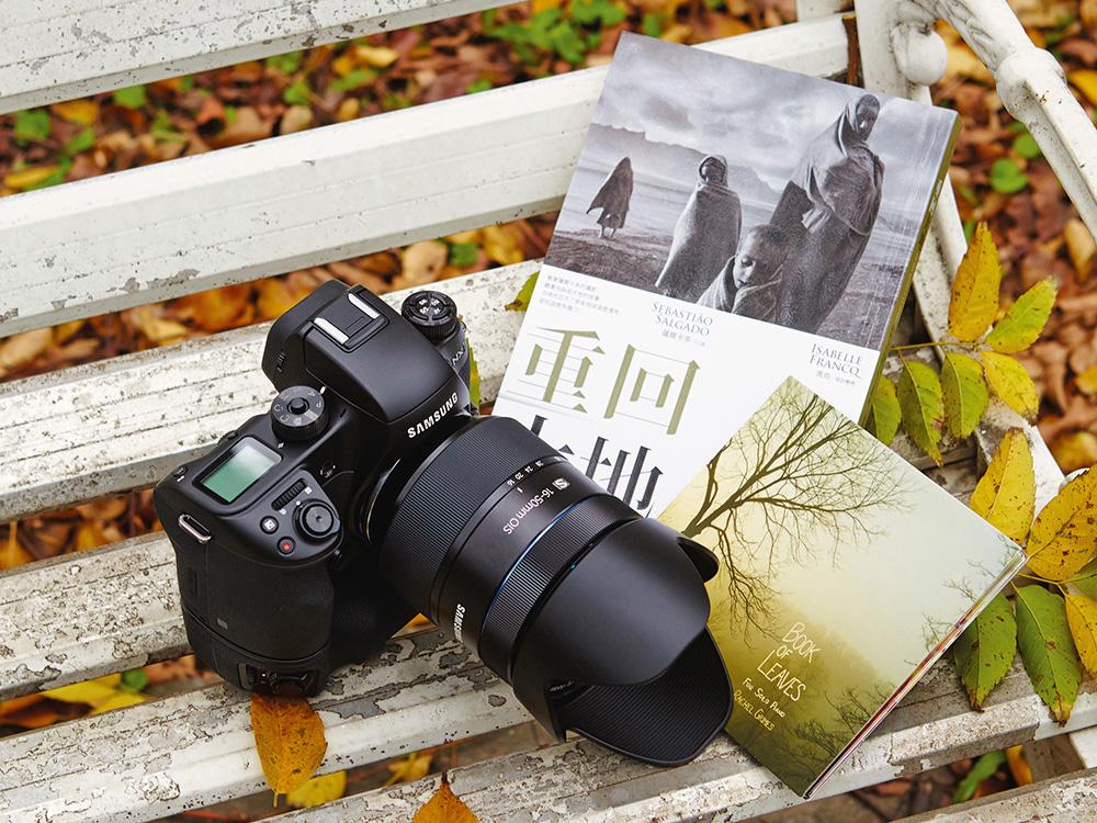 重回大地:當代紀實攝影家薩爾卡多相機下的人道呼喚,Book of Leaves(葉之書),Samsu