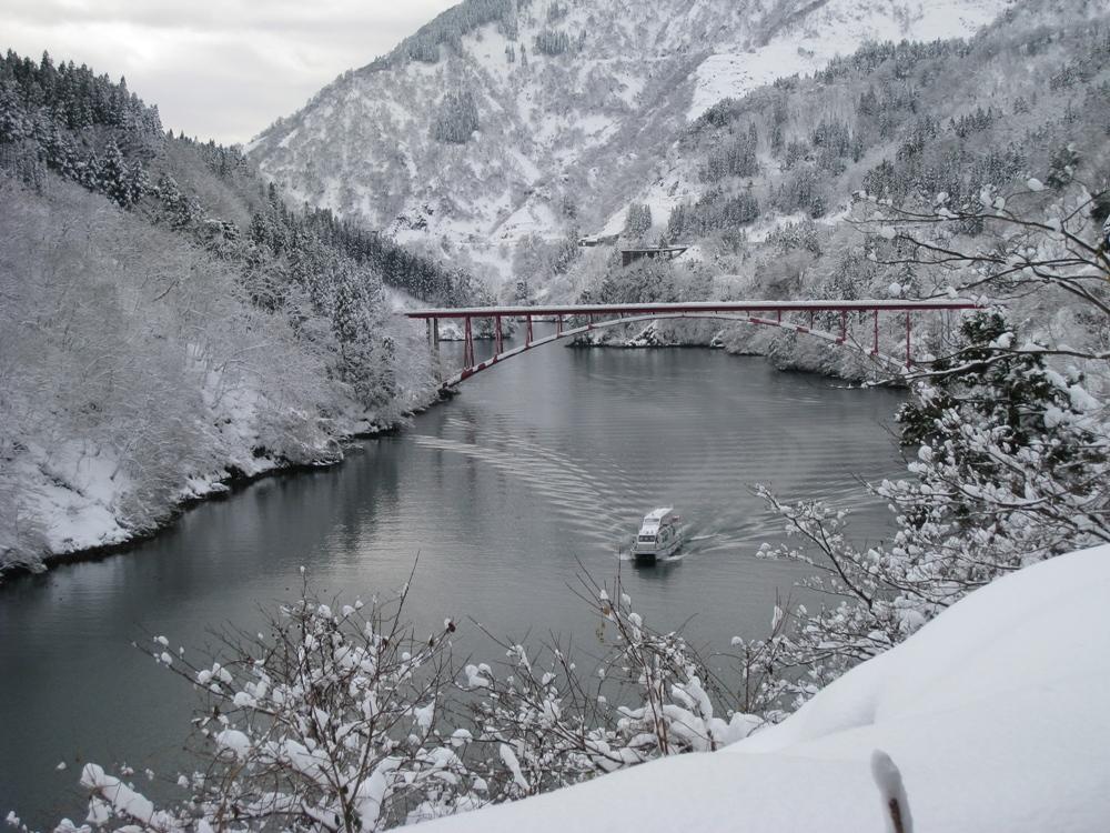 庄川冬日冰湖