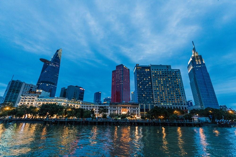 越南,西貢河夜景