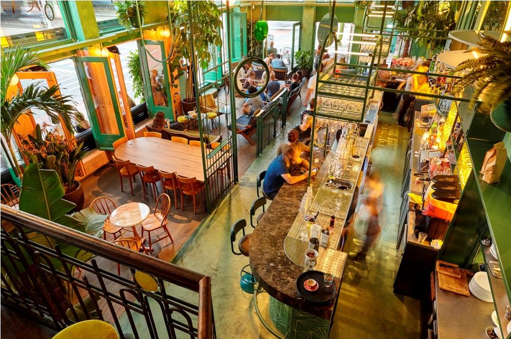 Bar Botanique Café