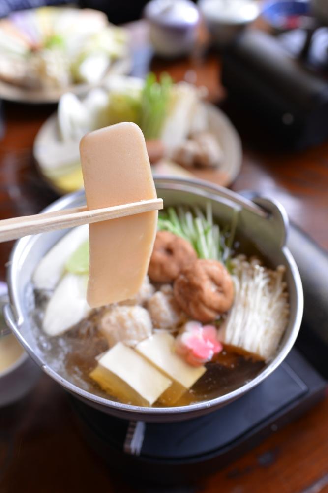 清水庵的年糕火鍋味道纖細口感彈滑,是必點的美食