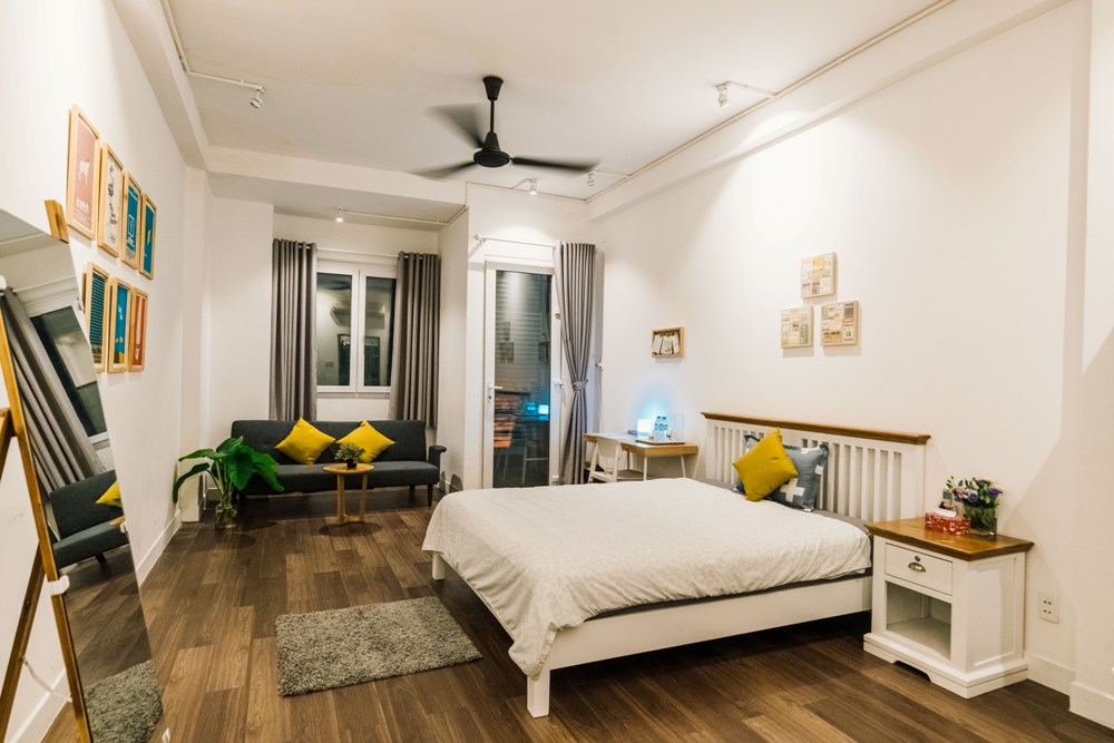 M2C+ Cafe 結合 Airbnb 的概念,以現代簡約的風格為主