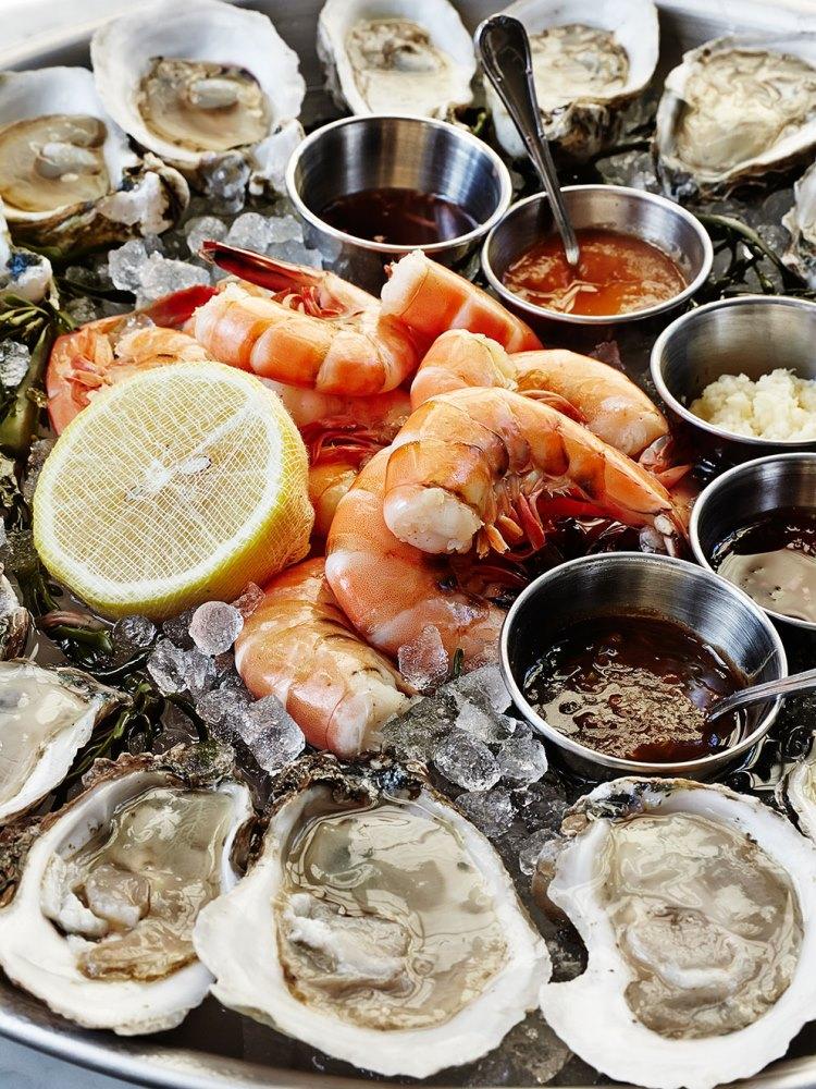 美國/南卡羅萊納州/The Ordinary/牡蠣/酒吧/海鮮/餐廳/三層海鮮塔/大蝦/生蠔