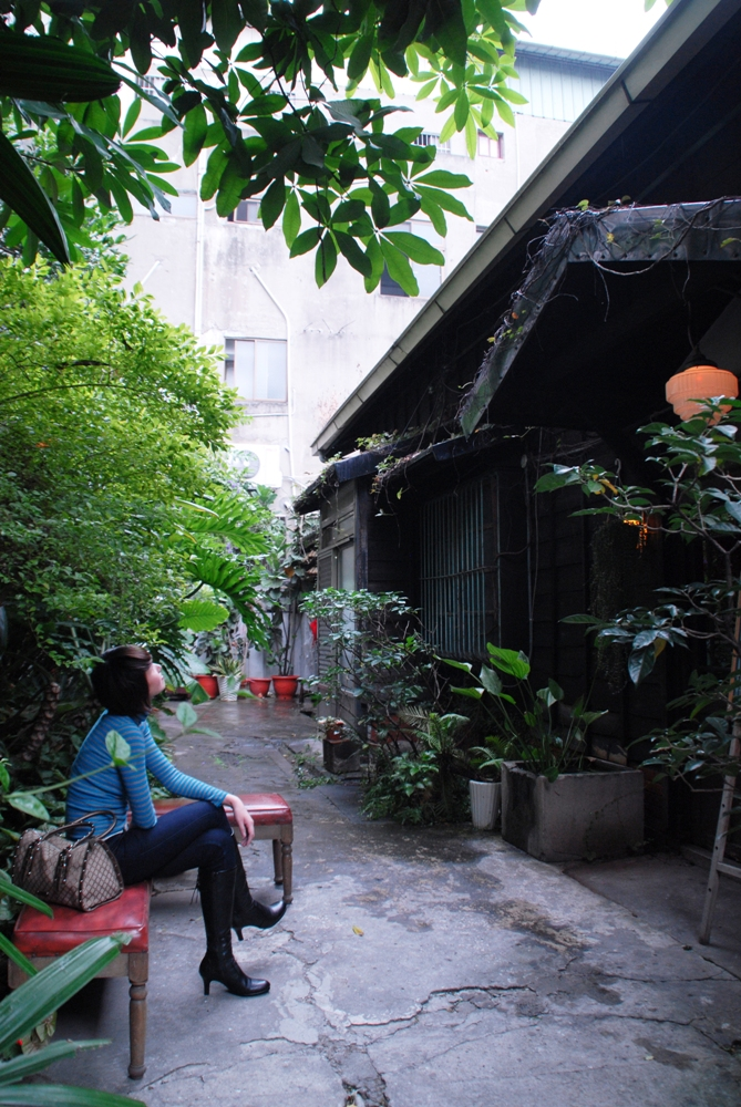 候位區/bloody sonsy moss/日式木造建築改造/咖啡廳/台中市/台灣