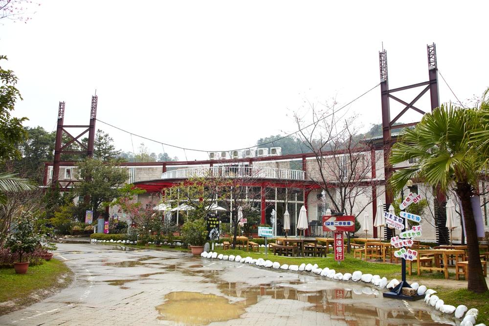 餐廳主建築/紅色吊橋/花開了休閒農園/桃園大溪/臺灣