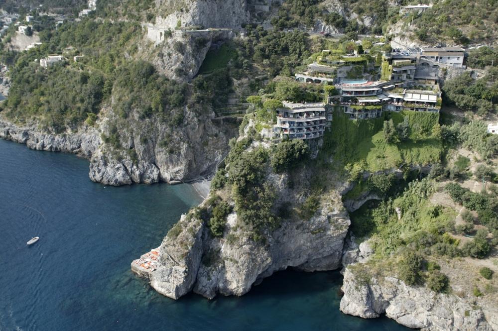 蜿蜒山壁/Il San Pietro/Positano/ITALY