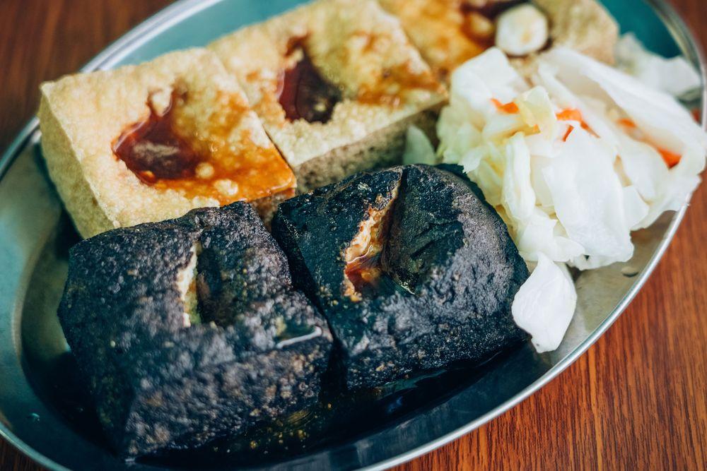 黑色臭豆腐/清安豆腐街/苗栗/台灣