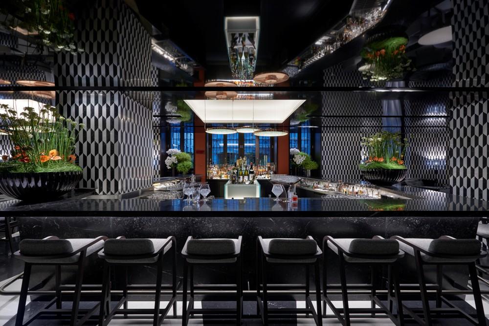酒吧/黑白幾何奇幻感/Mandarin Oriental, Milan/義大利