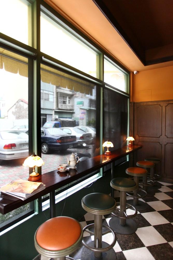 Iori Tea House/昭和風/喫茶館/玻璃窗/台南/台灣