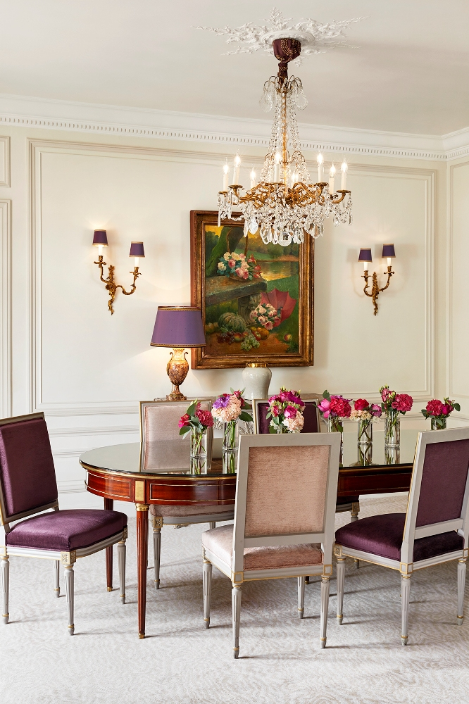 Hôtel Plaza Athénée - Royal Suite/客房/餐桌/巴黎/法國