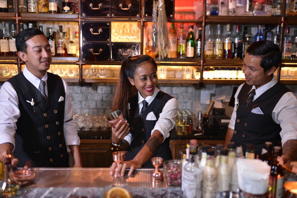 首席調酒師 Cha Cha/speakeasy 酒吧 Rabbit Hole/曼谷/泰國