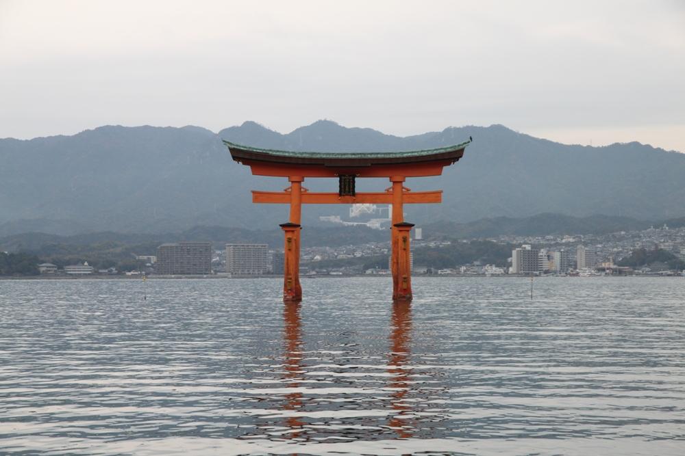 嚴島神社/鳥居/廣島縣/日本