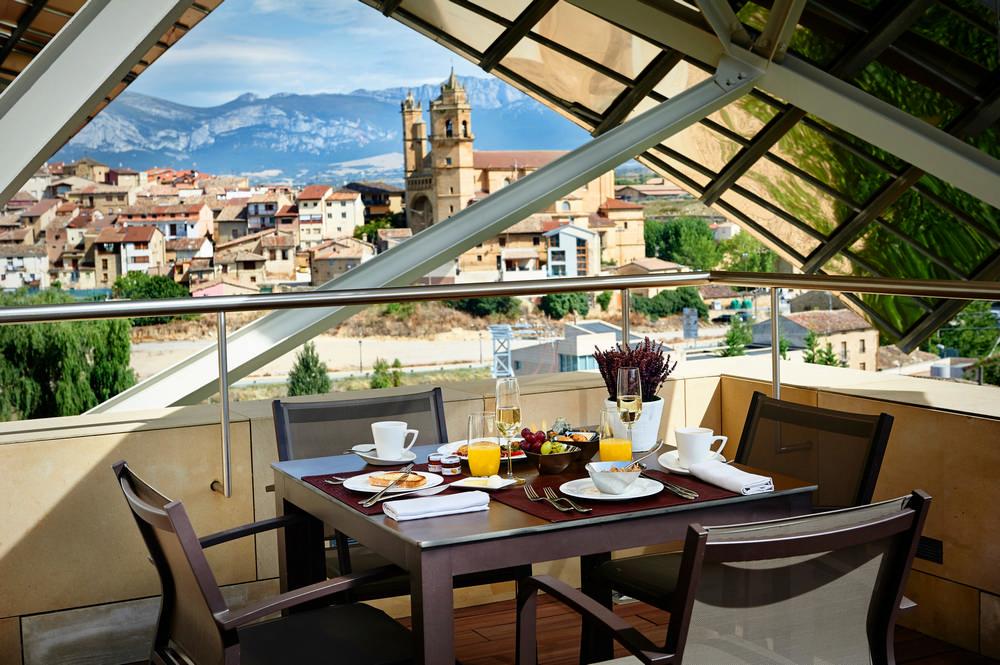 Frank Gehry/西班牙酒莊/La Rioja/Marqués de Riscal/米其林