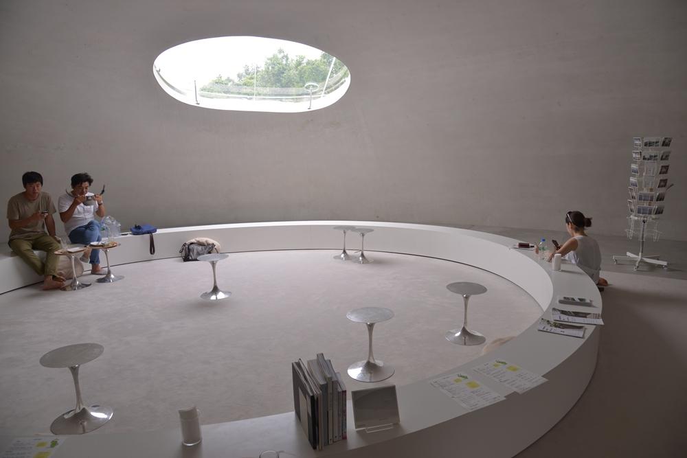 豐島美術館/瀨戶內國際藝術祭/豊島/瀨戶內海/日本