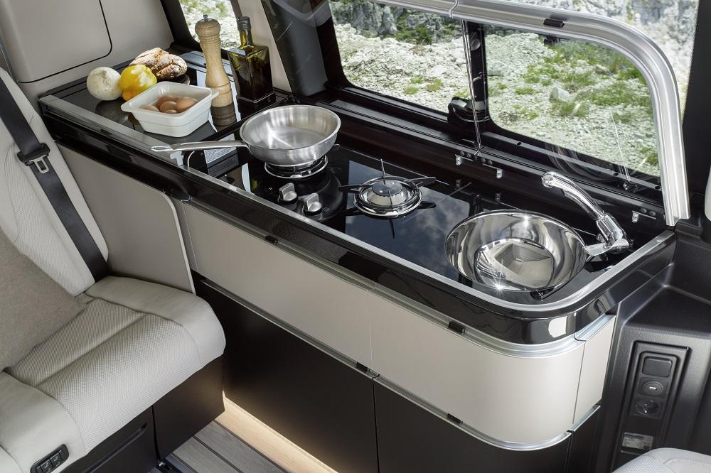 內部/Mercedes-Benz Marco Polo露營車/露營車款