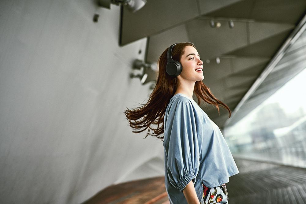 Sony 無線藍牙耳罩式耳機 WH-XB700/旅人誌/TRAVELER luxe