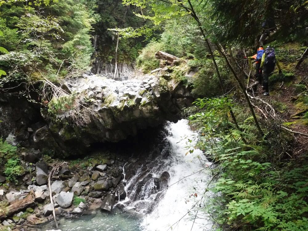 JR 高山本線/日本鐵道旅行/飛驒高地/飛騨小坂/小坂瀑布/歧阜之寶