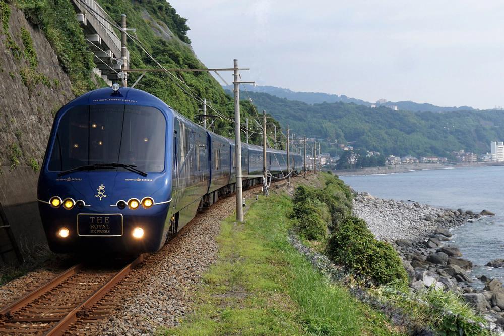 伊豆急行線/伊豆觀光列車/The Royal Express/水戶岡銳治