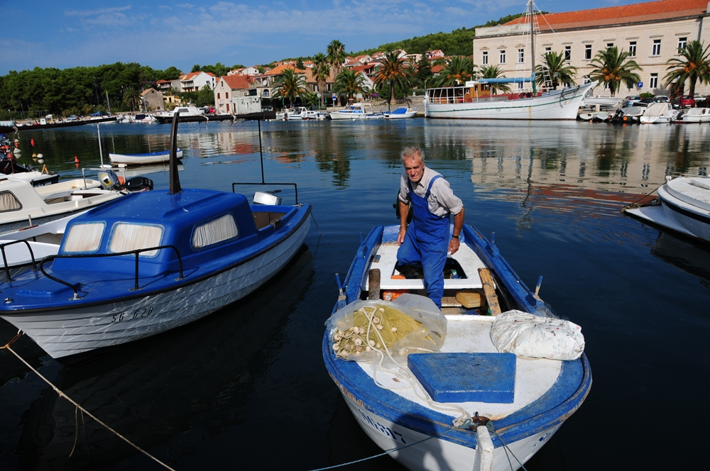 克羅埃西亞/赫瓦爾島/遊艇/地中海小島