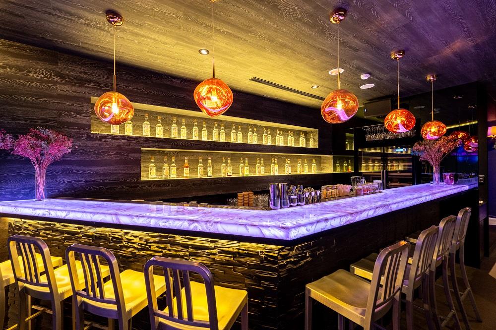 It's Me Bar/K字象徵/調酒/光雕酒吧