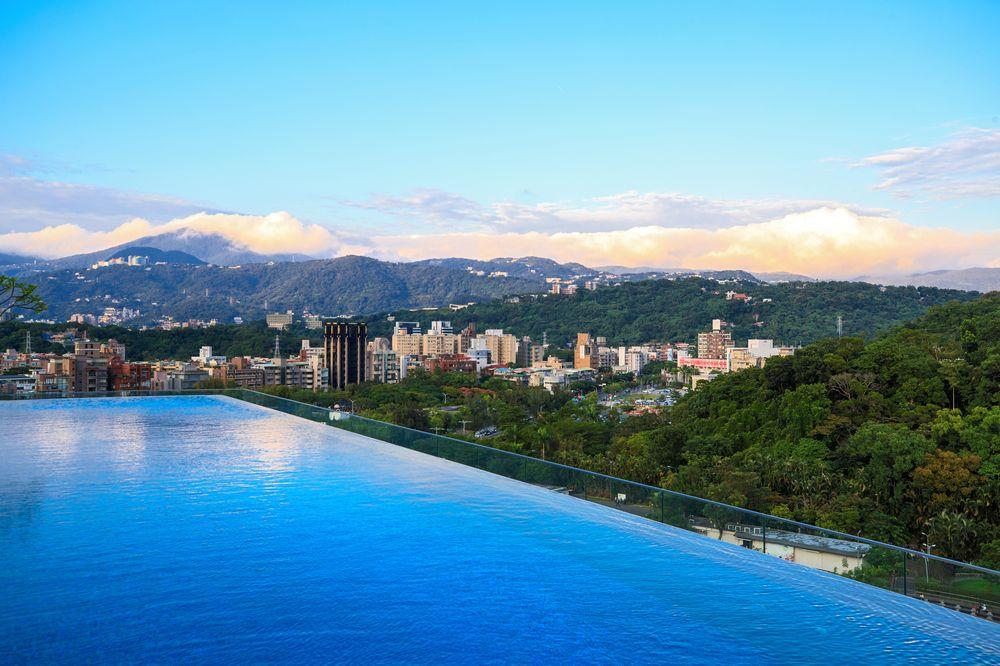 台北士林萬麗酒店/頂樓無邊際泳池