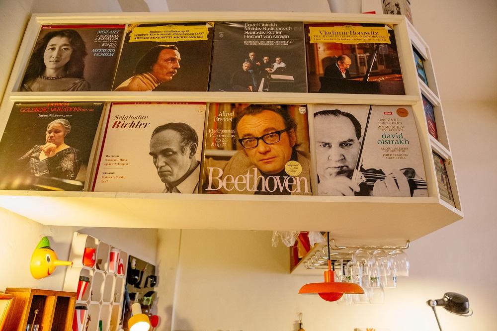 台中/老樣子咖啡雜貨/黑膠唱片/貝多芬/咖啡廳/家居風