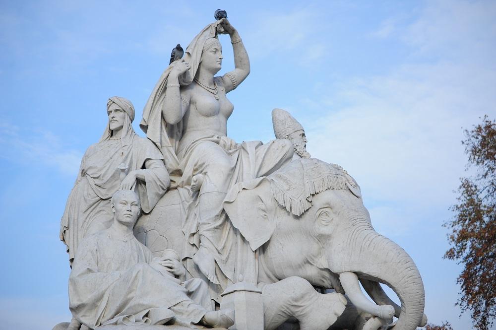 阿爾伯特紀念亭/倫敦/英國/亞洲/維多利亞女王