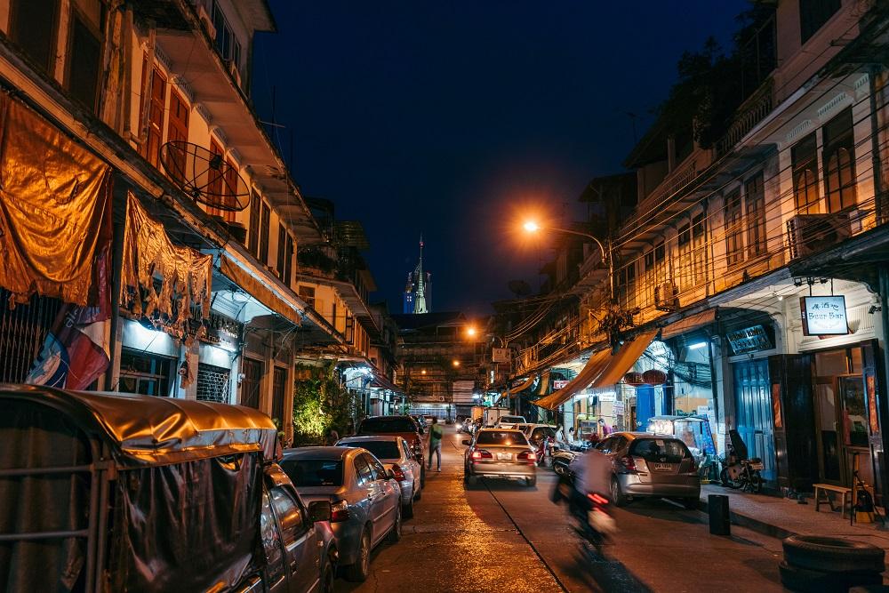 Ba hao 八號/深夜酒館/曼谷街頭/泰國