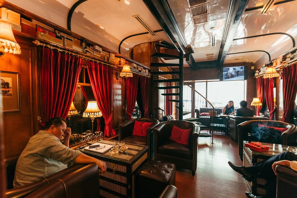 內部/雪茄/威士忌/酒吧/Character Whiskey & Cigar Bar/曼谷
