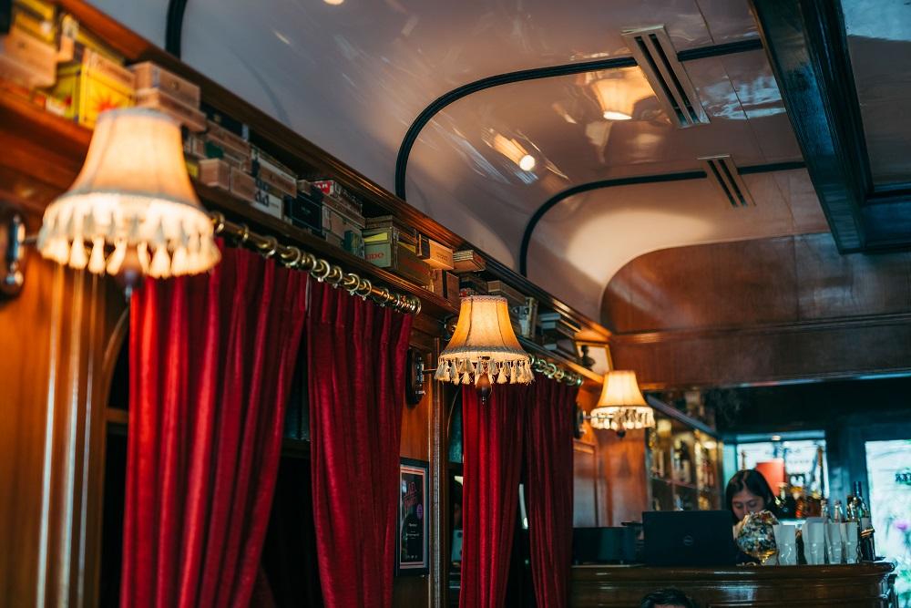 壁燈/雪茄/威士忌/酒吧/Character Whiskey & Cigar Bar/曼谷
