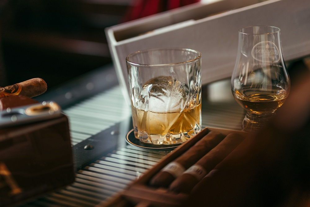 雪茄/威士忌/酒吧/Character Whiskey & Cigar Bar/曼谷