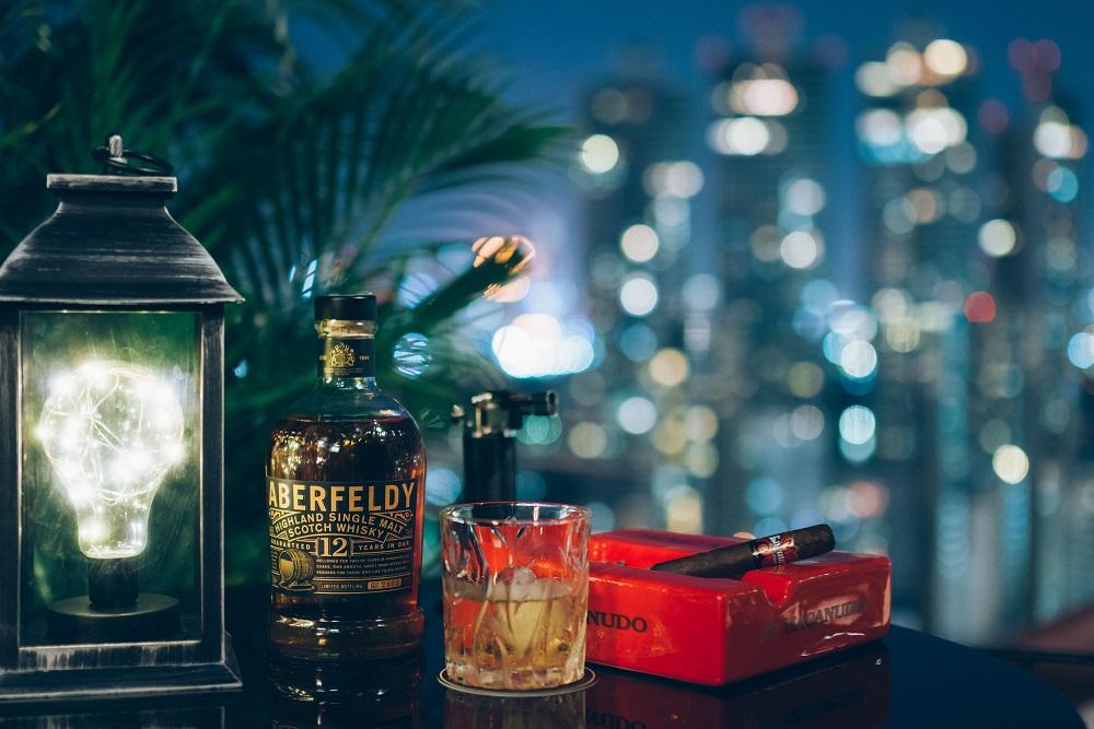 夜景/雪茄/威士忌/Character Whiskey & Cigar Bar/曼谷