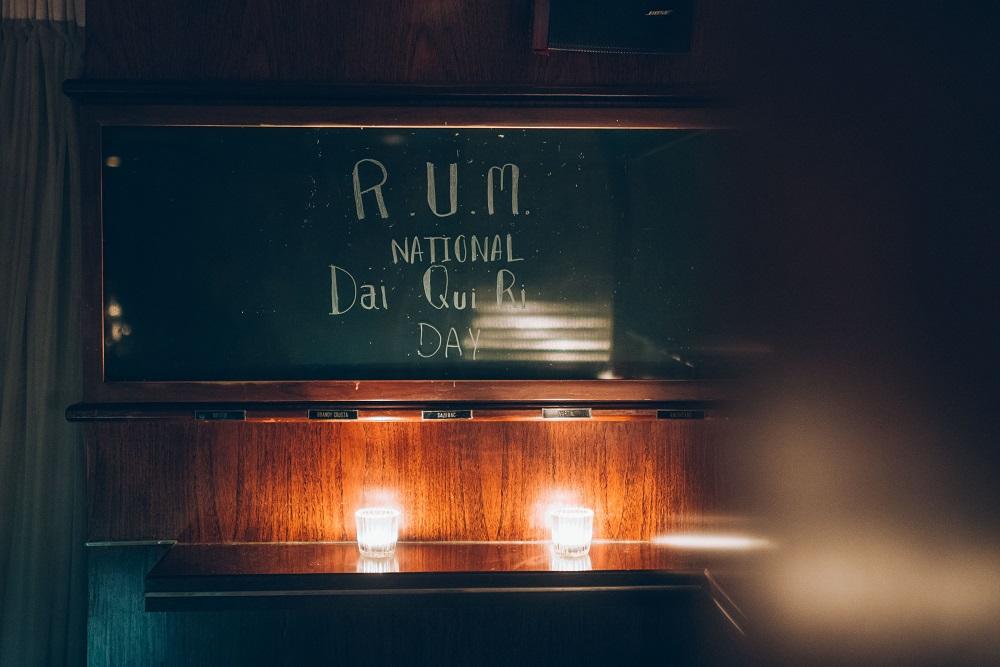 Q&A Bar/復古酒吧/火車車廂/爵士樂/曼谷/泰國