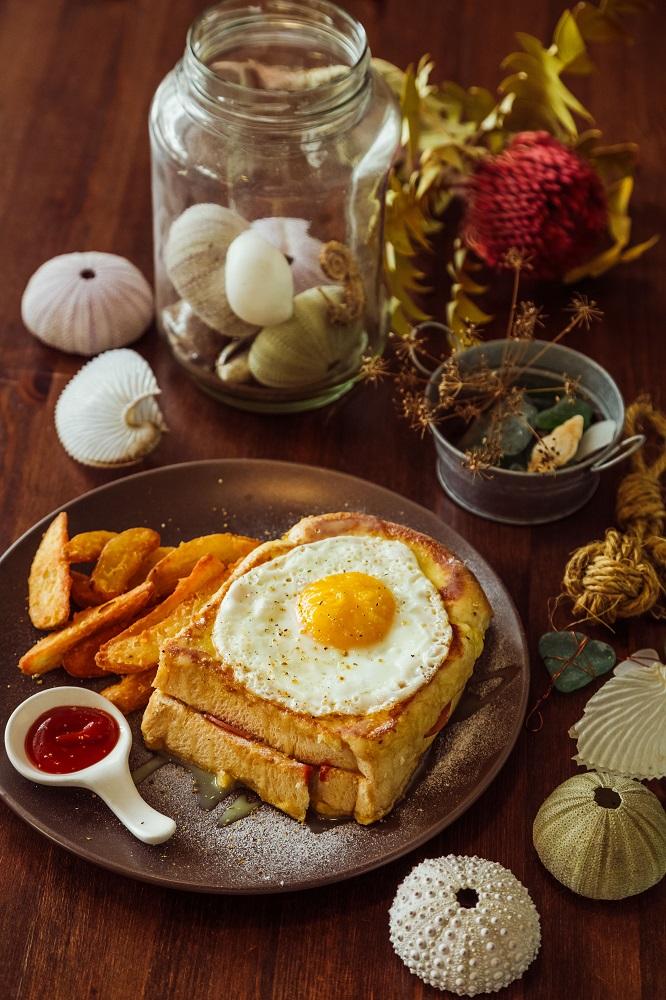 小島家/澎湖首間早午餐/太陽蛋/花生醬/火腿法式吐司