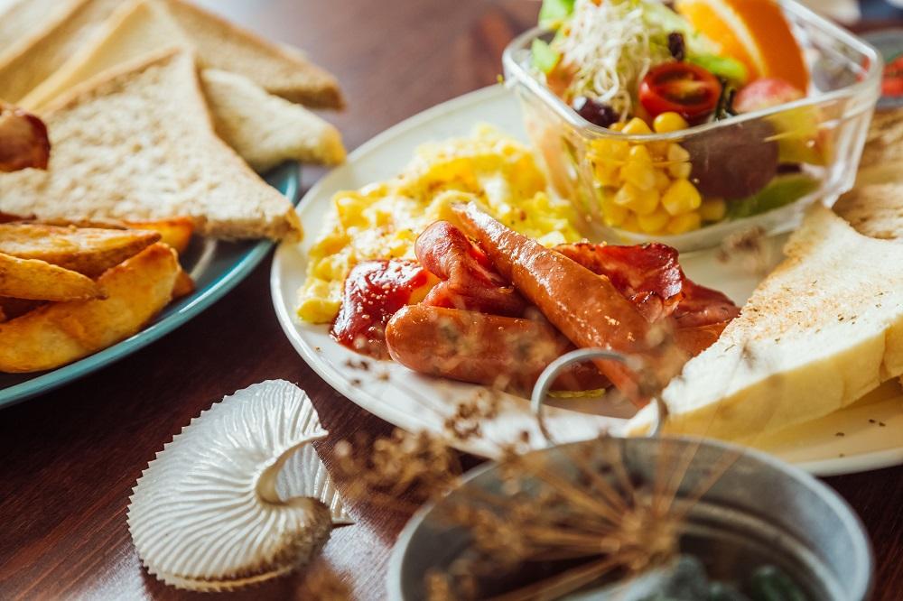 小島家/澎湖首間早午餐/美食/熱狗/沙拉