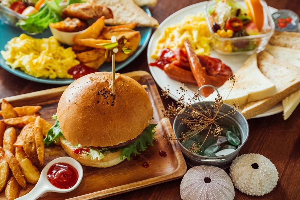 小島家/澎湖首間早午餐/漢堡/薯條/沙拉