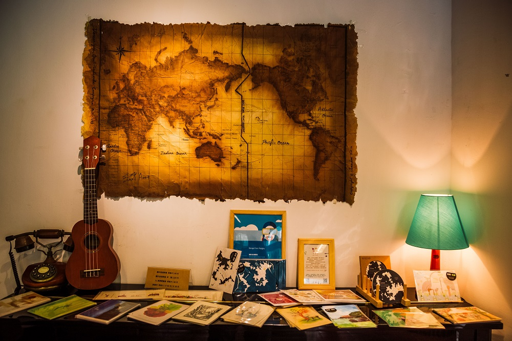 及林春咖啡館/復古世界地圖/吉他/澎湖