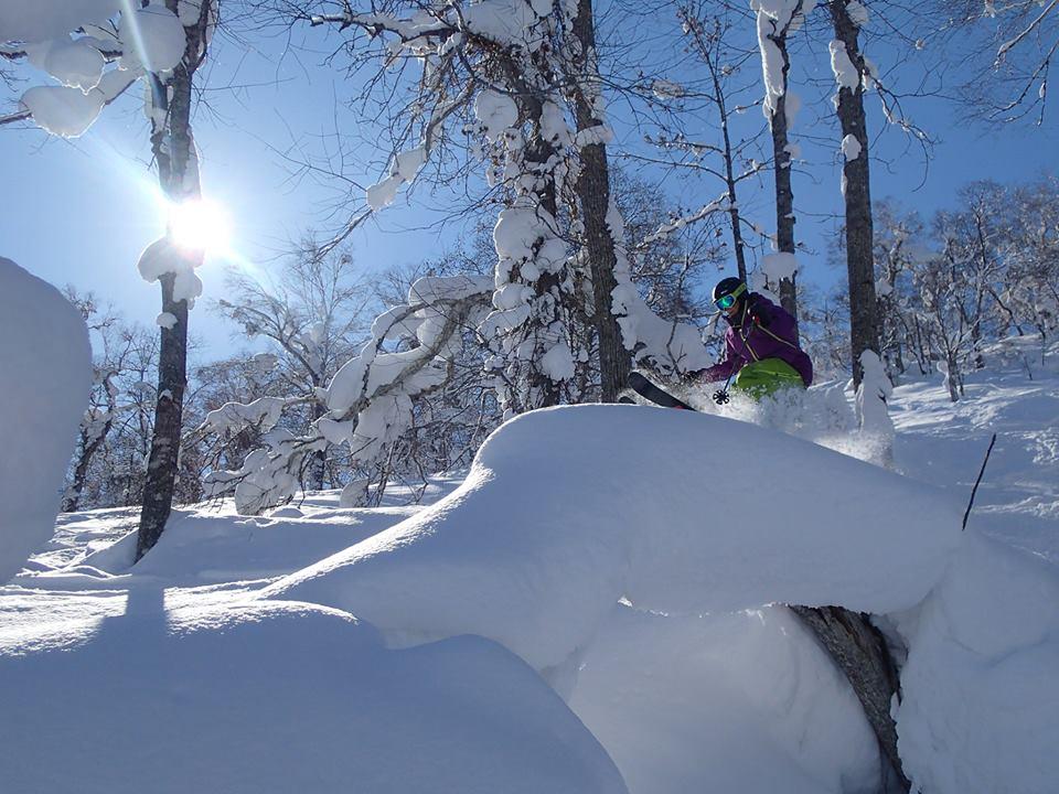 神居滑雪場/北北海道/日本/雪上香蕉船/雪上泛舟