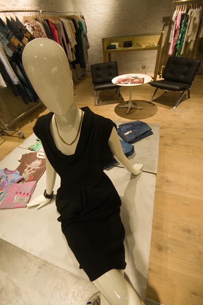 勤美誠品綠園道/X-large/level 6ix/黑色連身洋裝