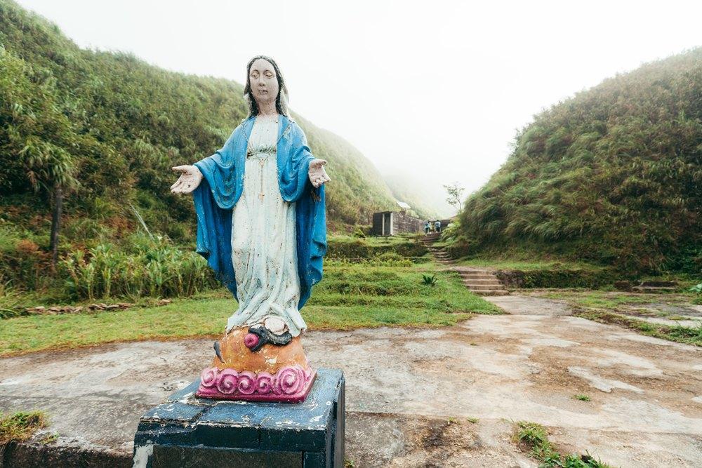 宜蘭抹茶山聖母山莊的聖母瑪利亞雕像