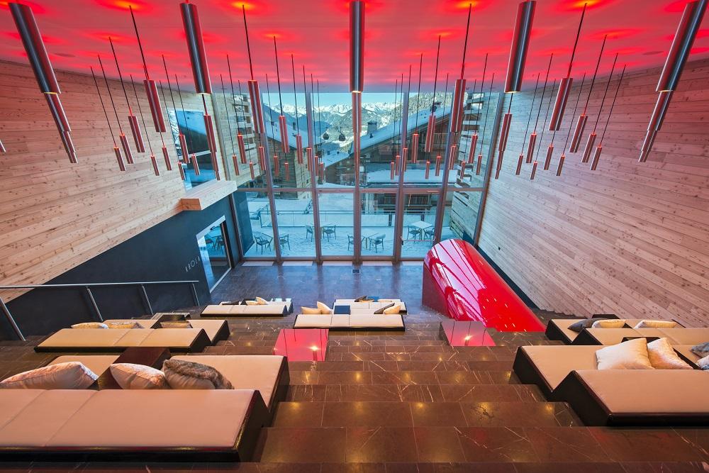 W Hotel Verbier/瑞士/絕景飯店/滑雪度假勝地/設計感大廳