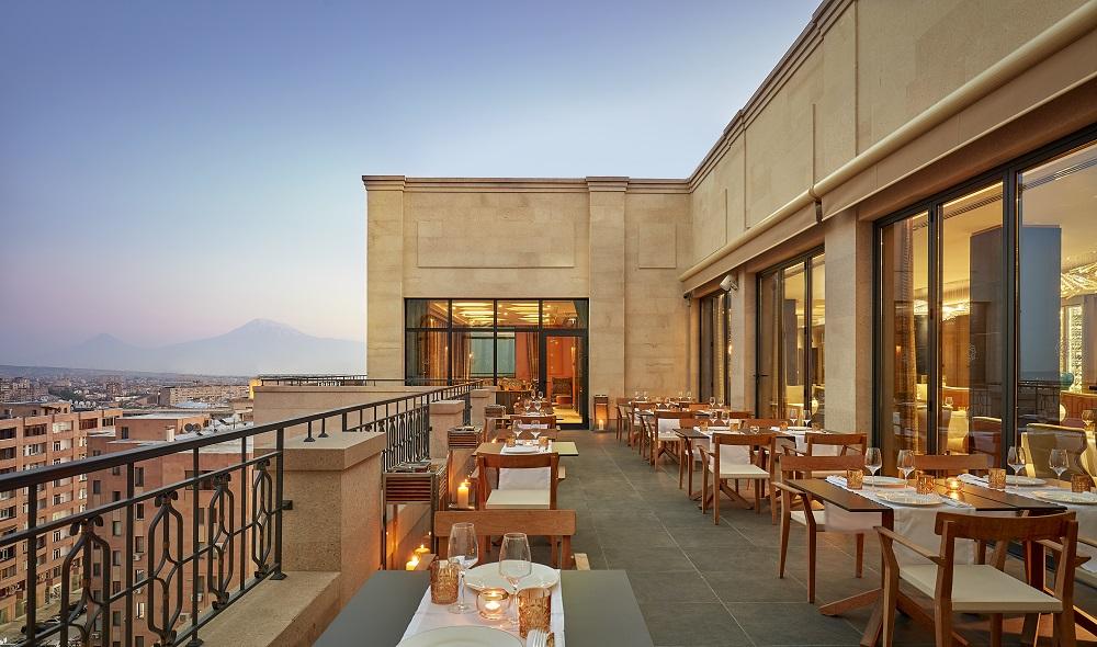 亞美尼亞/Yerevan/露天餐廳/聖山 Ararat/俯瞰城市