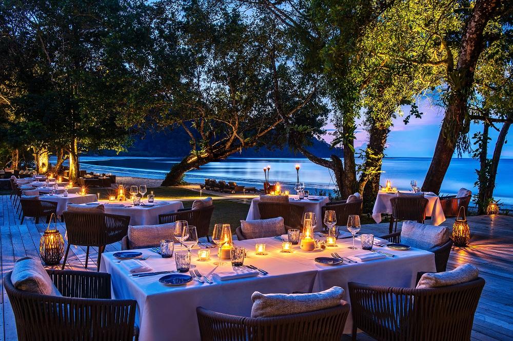 The Datai Langkawi/馬來西亞/海濱/餐廳/戶外座位區/氣氛