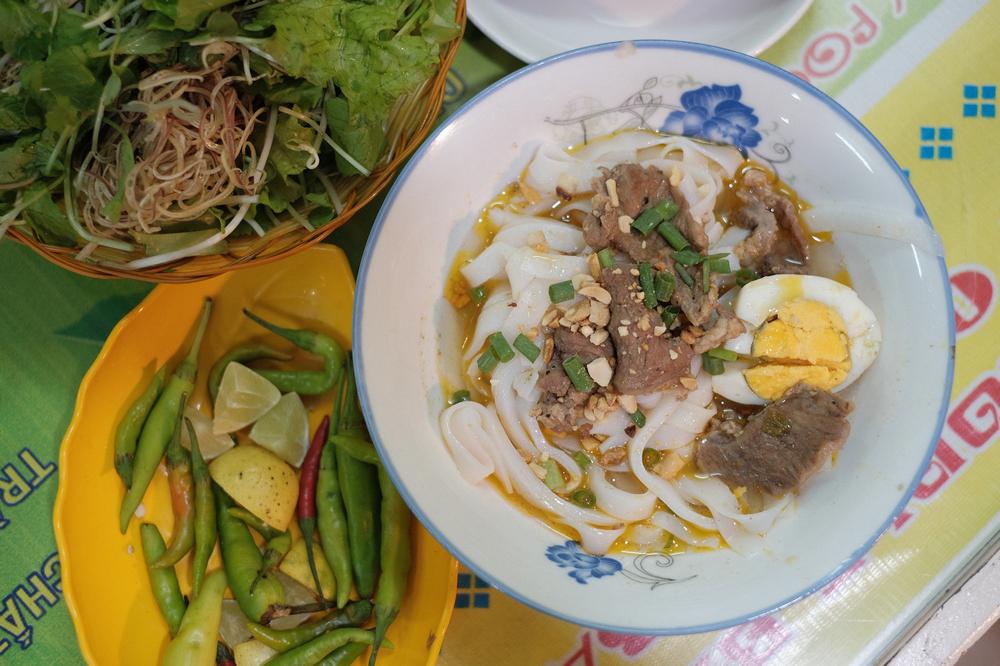 Mi Quảng Ba Vị/峴港/越南/美食/在地小吃/廣南麵