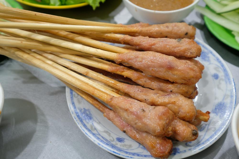 Bánh Xèo Bà Dưỡng/峴港/越南/美食/在地小吃/烤豬肉丸