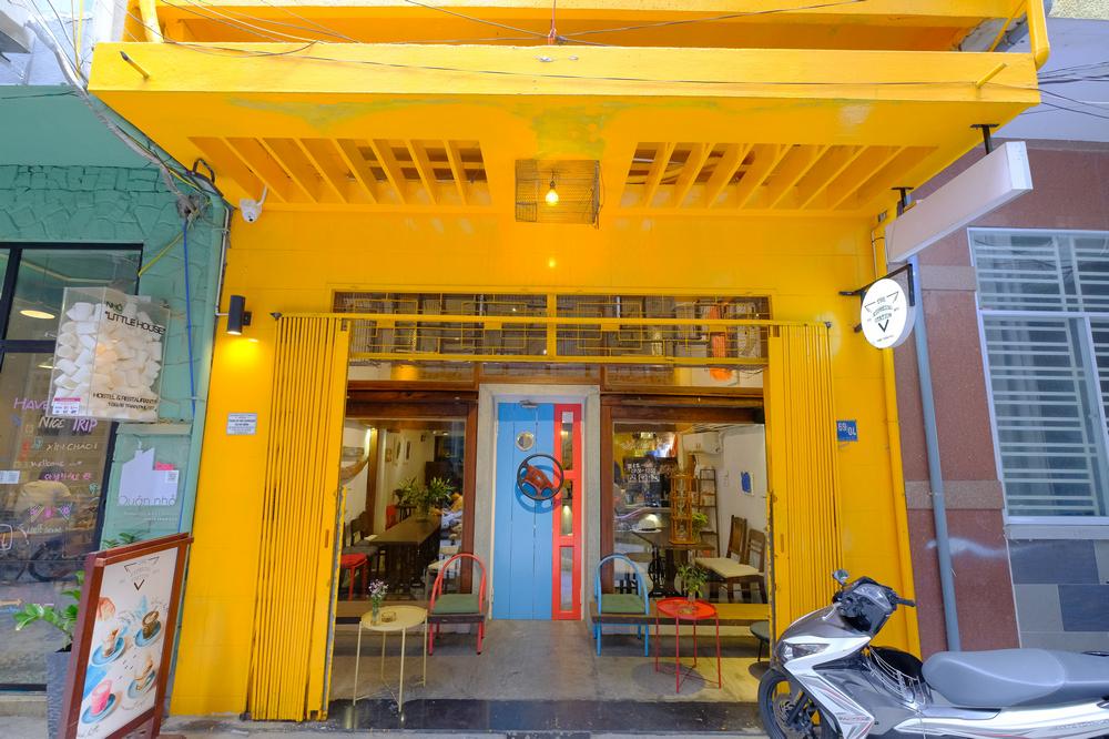 The Espresso Station/峴港/越南/美食/自家烘焙咖啡/越式咖啡/店門