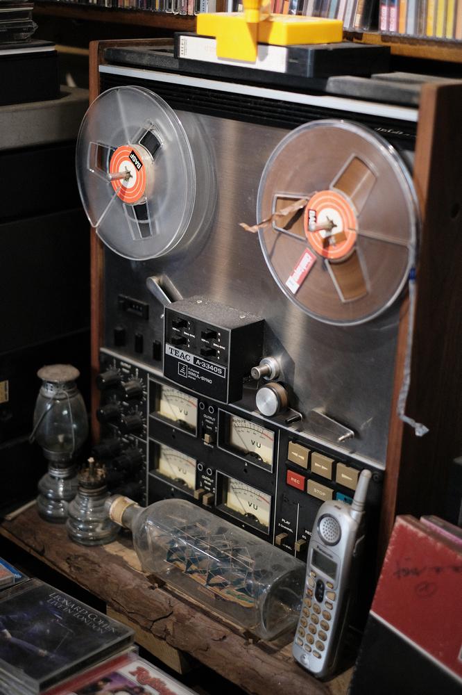 Nối Cafe /峴港/越南/美食/咖啡館/懷舊音樂/古董收音機