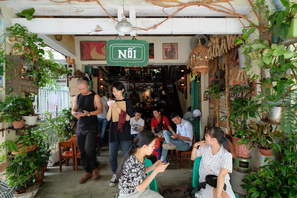 Nối Cafe /峴港/越南/美食/咖啡館/懷舊音樂/門口