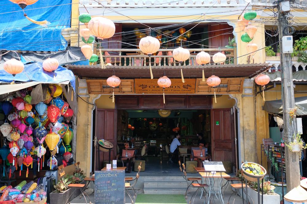 Cocobox/會安/越南/咖啡館/店門