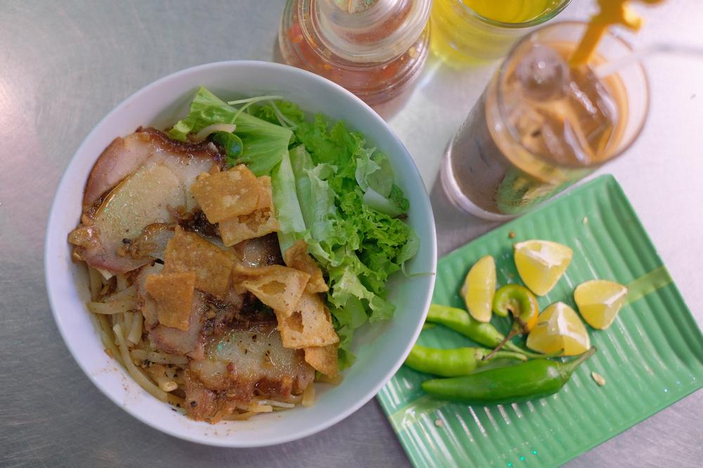 Cao lầu Không Gian Xanh/會安/越南/在地美食/高樓麵